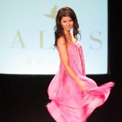 30A South Walton GoodeGreen 2329 252x252 South Walton Fashion Week Set for Oct 6 12